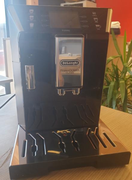 DeLonghi Kaffeevollautomat ECAM550.65.SB Ausstellungsstück